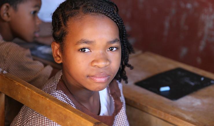 Pige på døveskolen i Madagaska